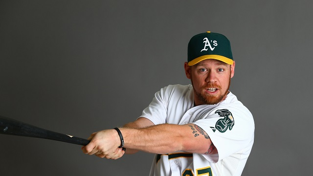 Indians finally snag Brandon Moss from Oakland
