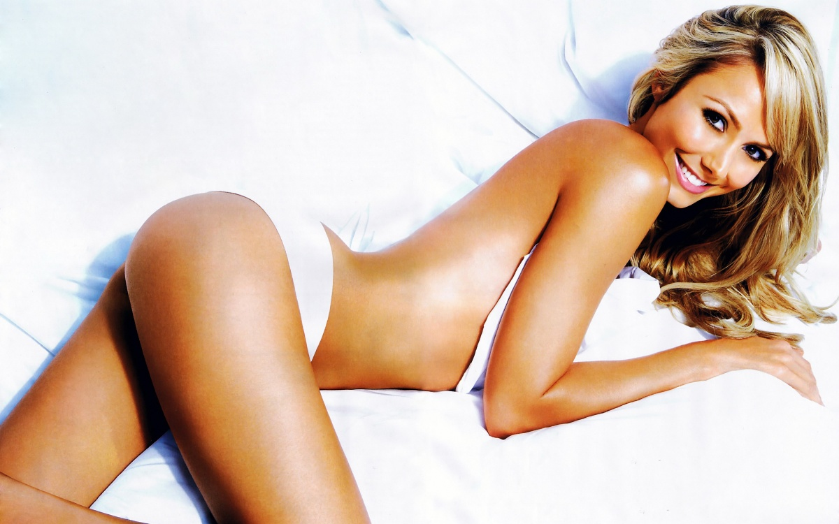 Here are 31 pictures of former Ravens cheerleader Stacey Keibler