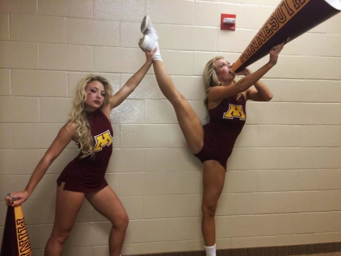 Minnesota Golden Gophers Cheerleader & Fanbase Gallery