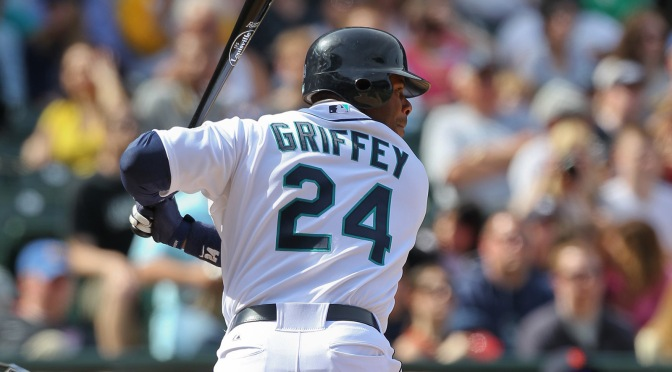 Jason Kipnis unknowingly bumped into Ken Griffey Jr. in Seattle, got called for the charge