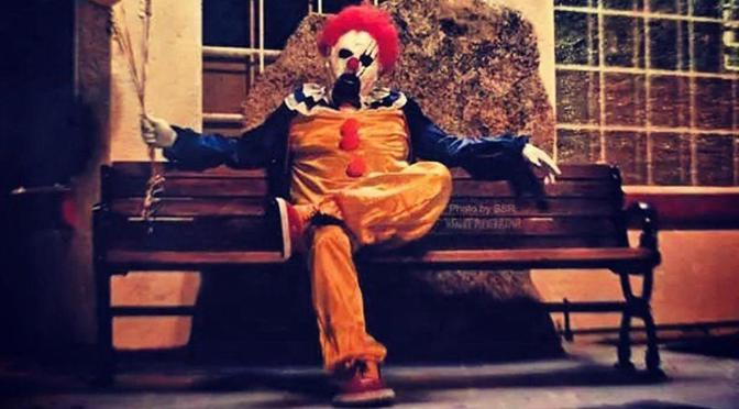 VIDEO: Crowd of Kent State students went clown hunting last night